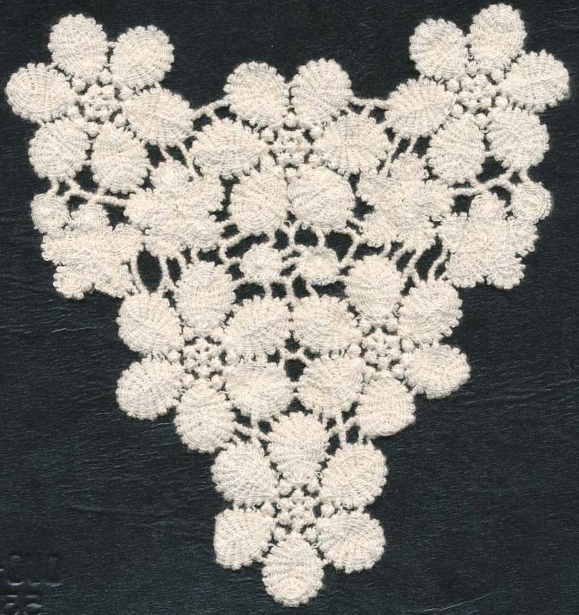 "5+1/2"" X 5+1/2"" Cotton Crochet Floral Triangle-Natural"