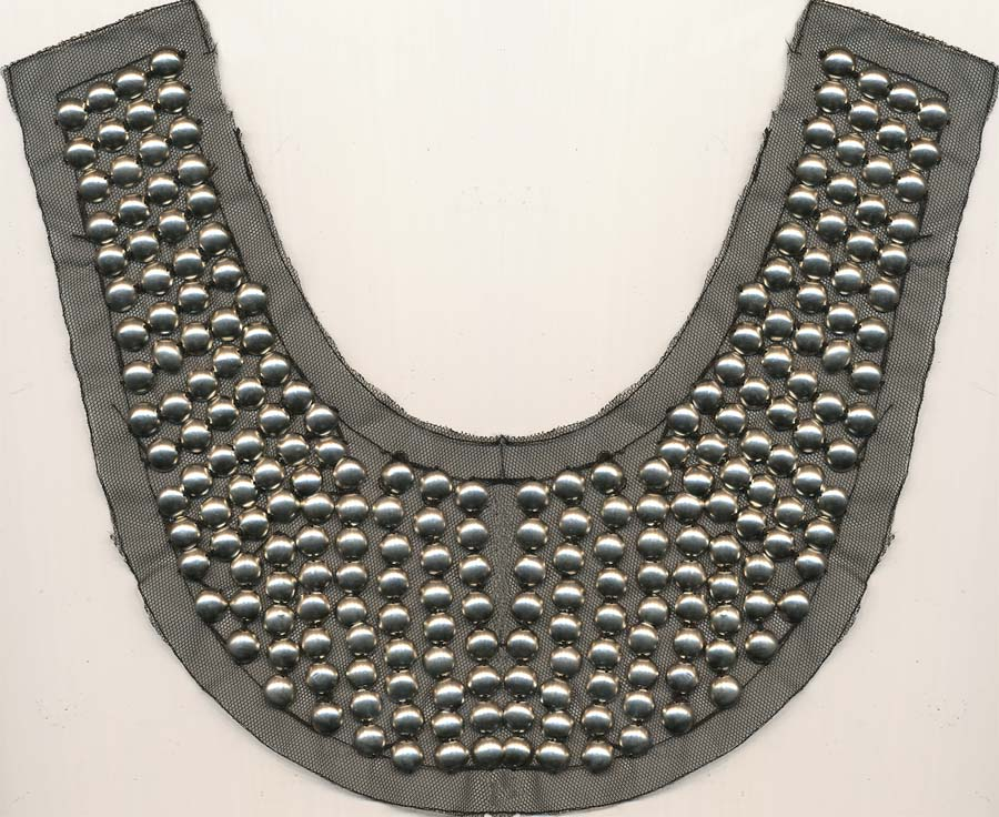 "10.5"" X 4.75"" Stud Collar-Nickel On Black Mesh"