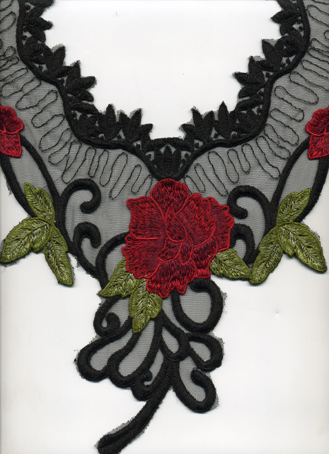 "13 1/2"" X 14 1/2"" Rose Collar Applique-Black/Red/Green"