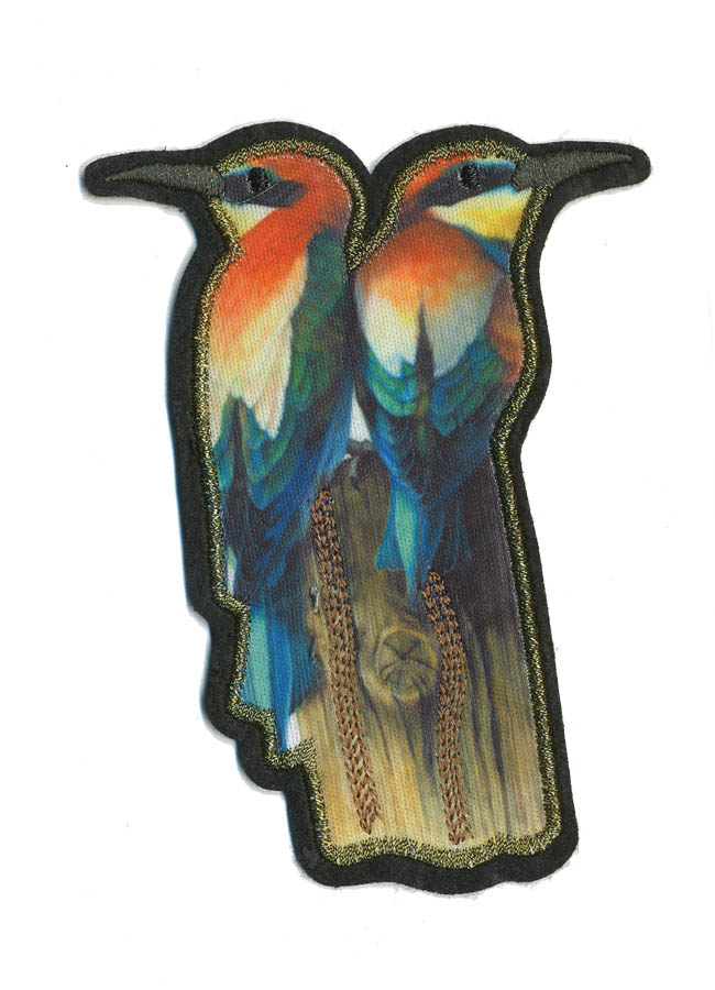 "4.75"" x 3.5"" Sitting Carmine Birds With Gold Embroidered Outline-Blue/Orange/White/Brown/Green"