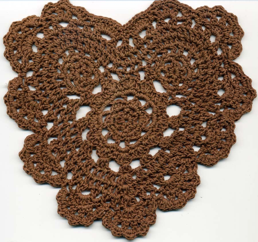 "5.5"" x 6.25"" Crochet Heart Applique-Fawn Brown"