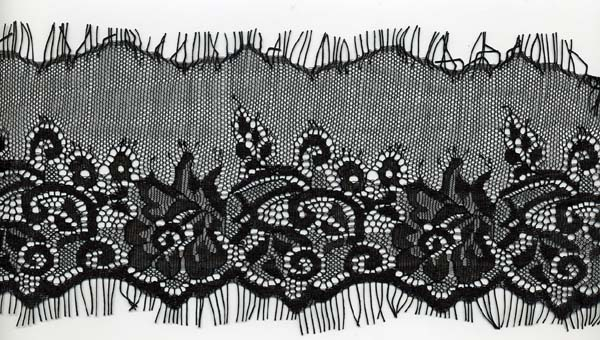 "4"" Floral Double Scallop Edge Lace-Black<>Chantilly / Eyelash Lace"