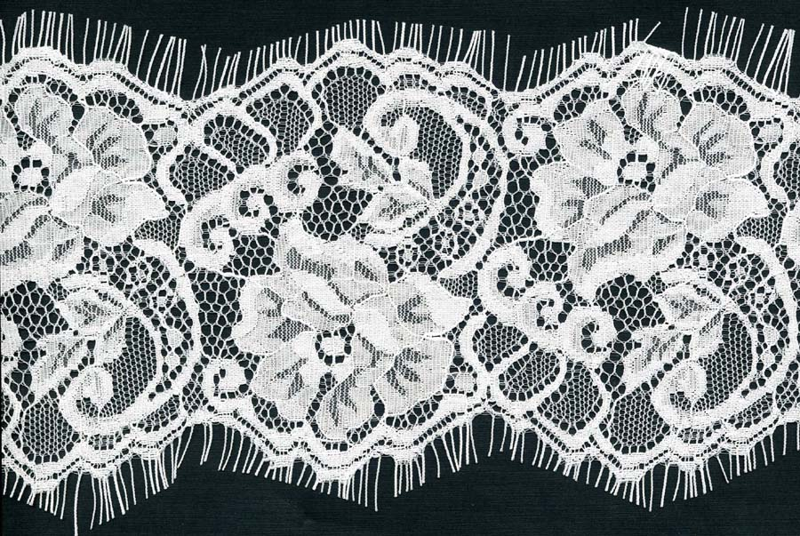 "4.5"" Floral Double Scallop Edge Lace-White<>Chantilly / Eyelash Lace"
