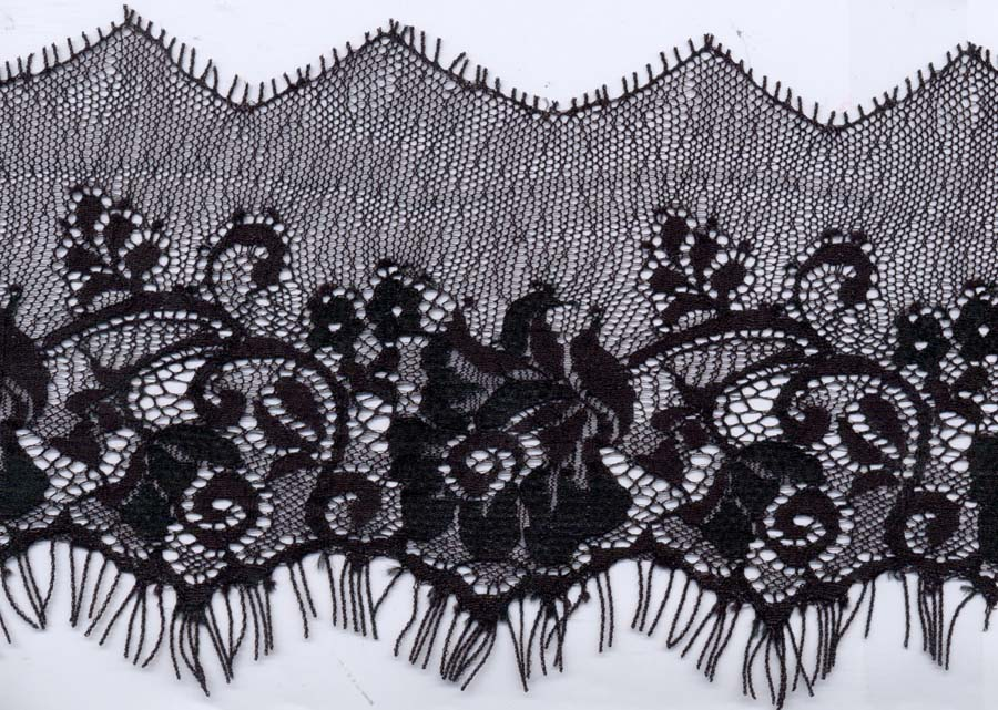 "4"" Point Edge Rose Pattern Lace-Black<>Chantilly / Eyelash Lace"