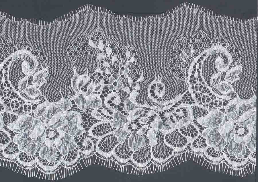 "5.125"" Curve Edge Lace-White<>Chantilly / Eyelash Lace"