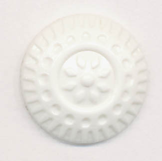 24L Daisy Shank Button-White - Plastic Buttons